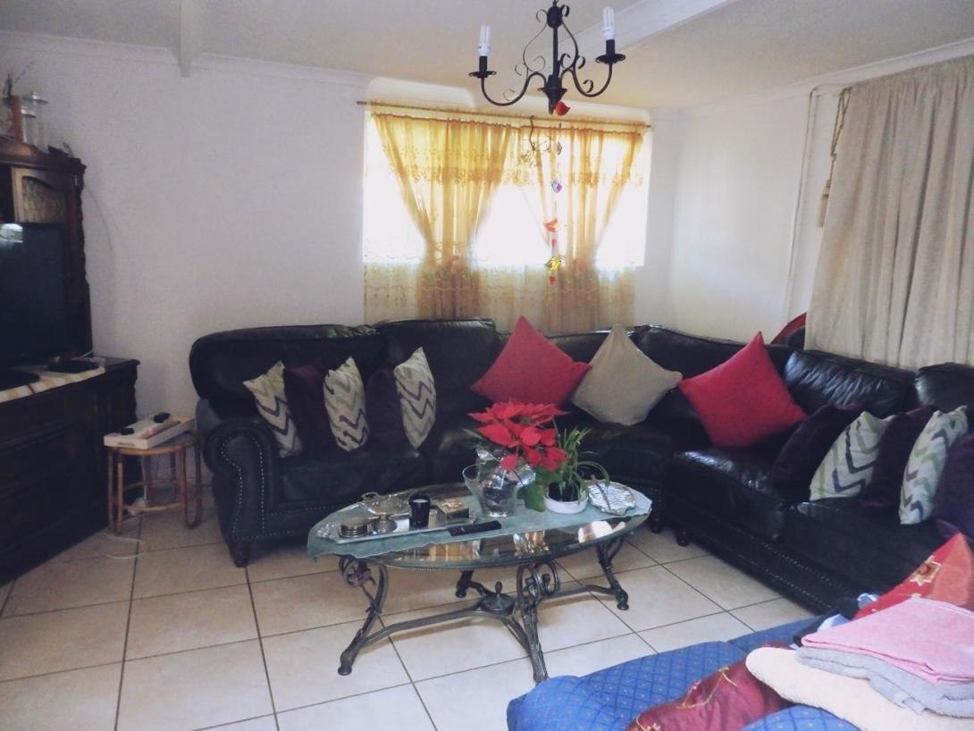 南アフリカ共和国でお世話になったホストファミリー宅のラウンジ